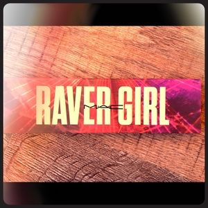 MAC RAVER GIRL eyeshadow palette